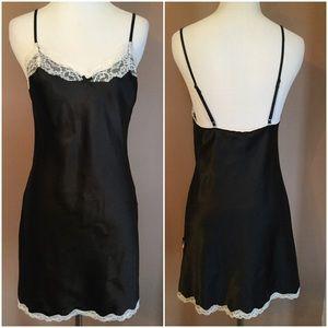 🆕 Victoria's Secret Little Black Nightie !